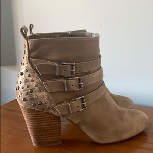 Beige and gold studded booties!